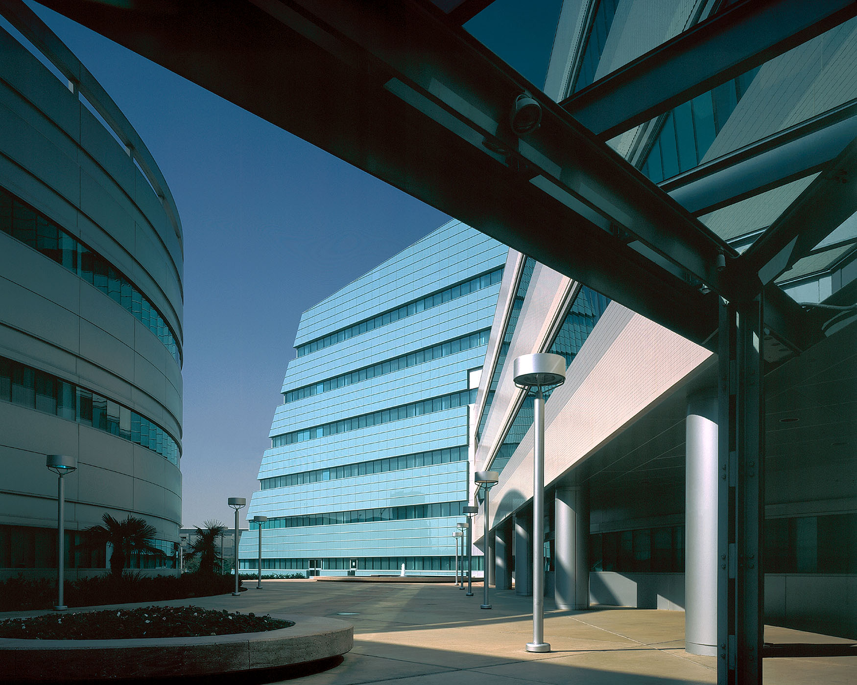 Kaiser Hospital, Baldwin Park, California, Arthur Erickson Architect